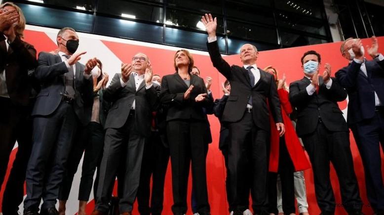 Almanya'da seçim tamamlandı; kazananSosyal Demokrat Parti'nin adayı Olaf Scholz