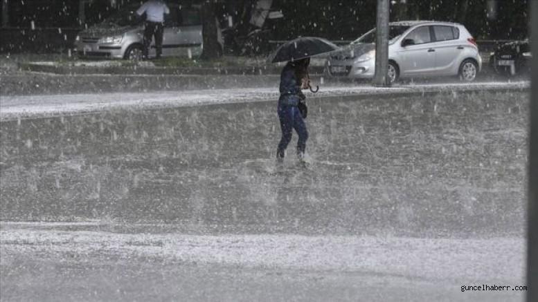 Batum'da şiddetli yağışlar nedeniyle su baskınları yaşandı!