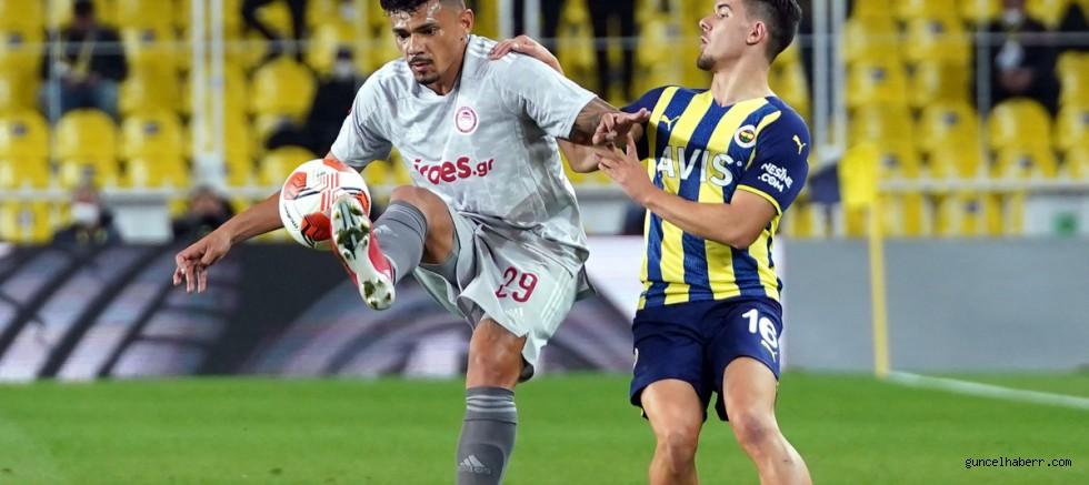 Fenerbahçe evinde ağır yara aldı; FENERBAHÇE 0:3 OLYMPİAKOS