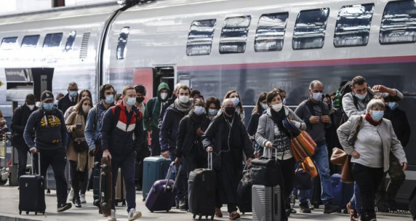 Fransa'da son 24 saatte 5 bin 557 yeni vaka