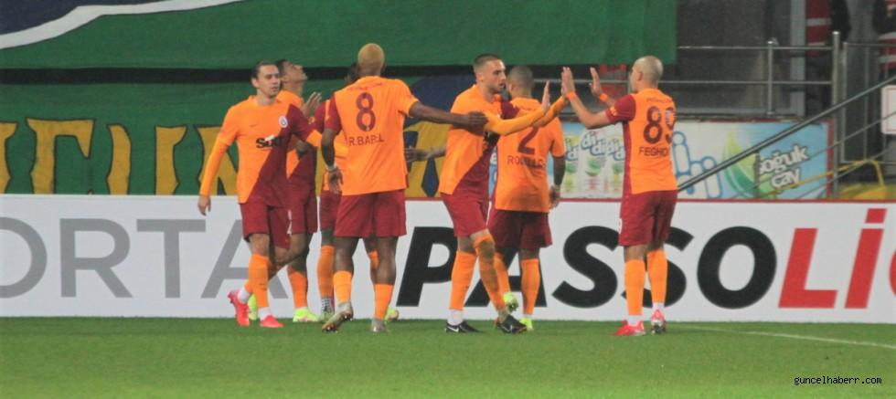 Galatasaray, Rize'den son anda  puan aldı!