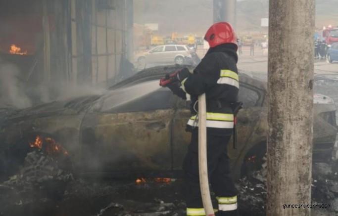 Gürcistan oto pazarında yangın çıktı!