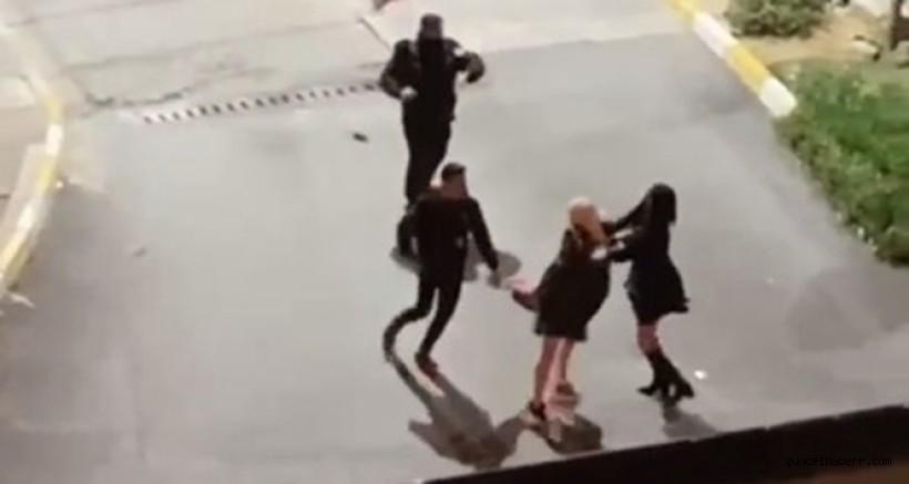 Kadınların saç saça baş başa kavgası kamerada