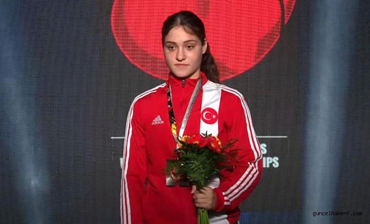 Milli boksör Büşra Işıldar, dünya şampiyonu oldu