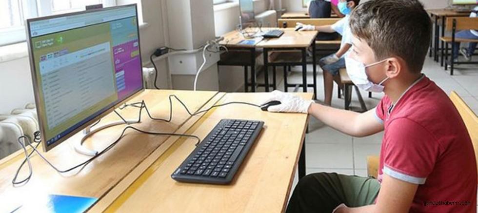 Milli Eğitim Bakanı Ziya Selçuk açıkladı! 'Uzaktan eğitim kalıcı olacak'